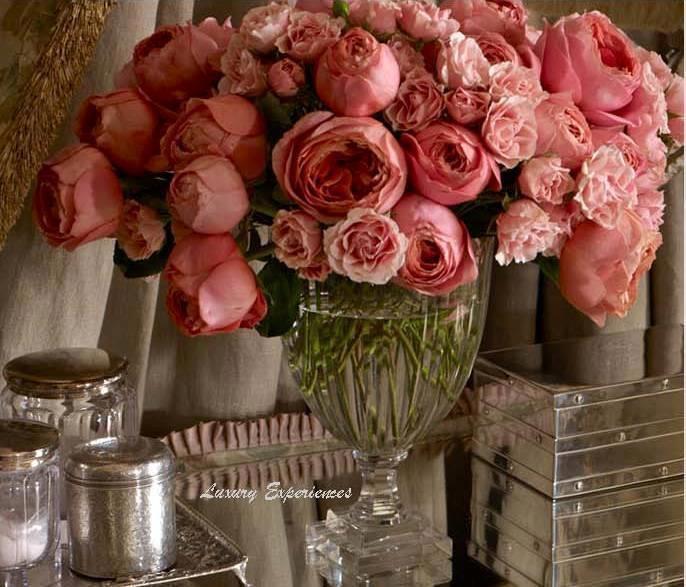 Как смотрятся розы в хрустальной вазе