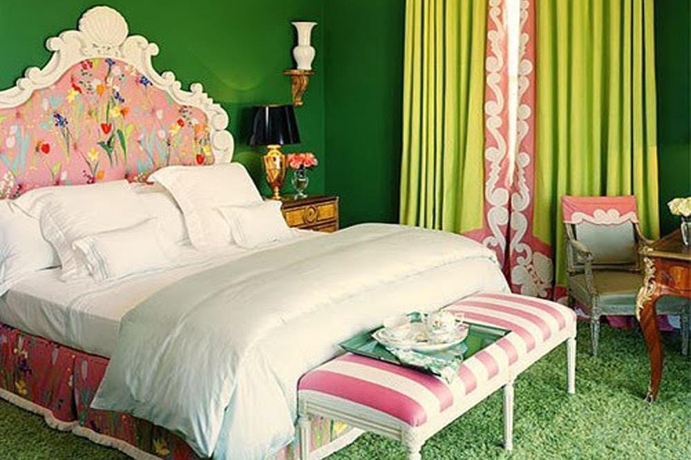 Зеленый с розовым в спальне